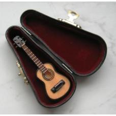 P70 Spaanse gitaar in luxe zwarte koffer